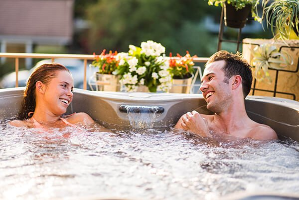 Hot tub shopping? Don't settle for less.