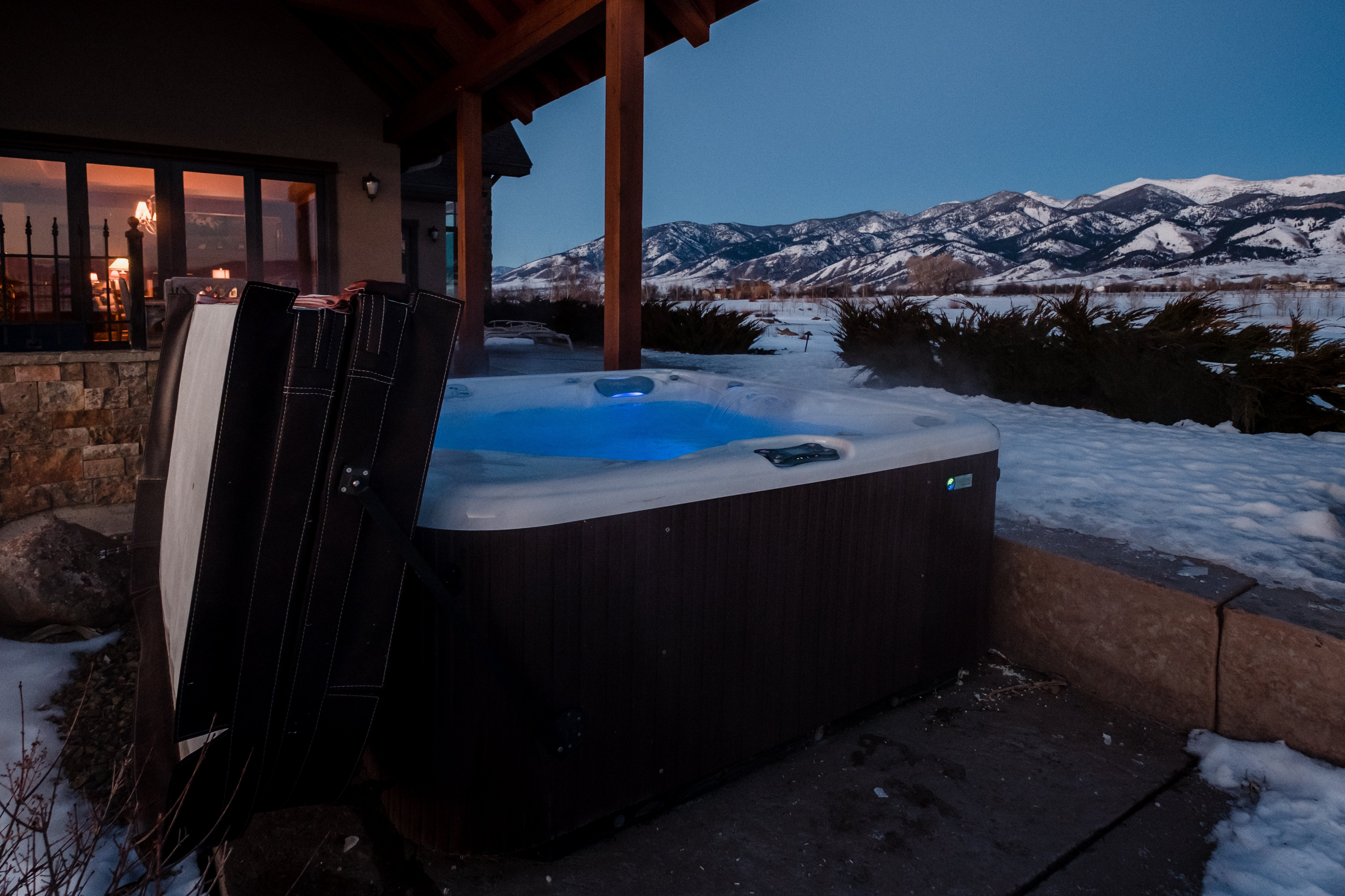 Affordable Mountain Hot Tubs from Maximum Comfort