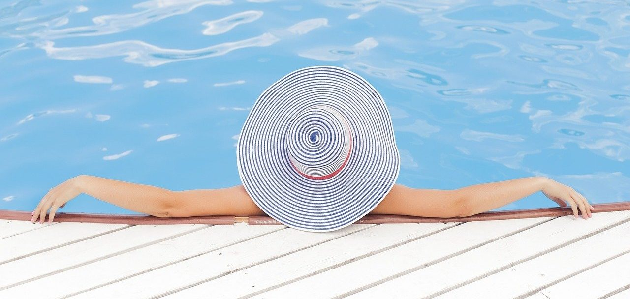 5 Luxurious Features to Add to Your New Pool